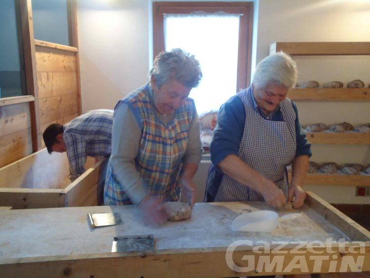 Hône: con i primi pani al via la Feuhta dé la Micooula