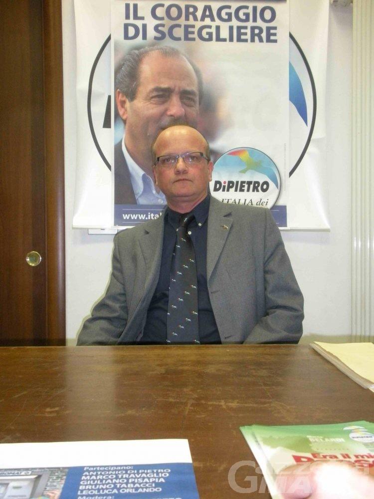 L'Idv denuncia: «La Commissione rifiuti perde tempo»