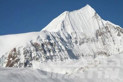 Nepal: la spedizione italiana capeggiata da Adriano Favre evacuata dal campo base dell'Annapurna