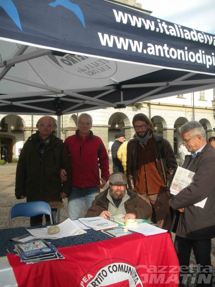 Refendum anti casta e per il lavoro, raccolte 500 firme
