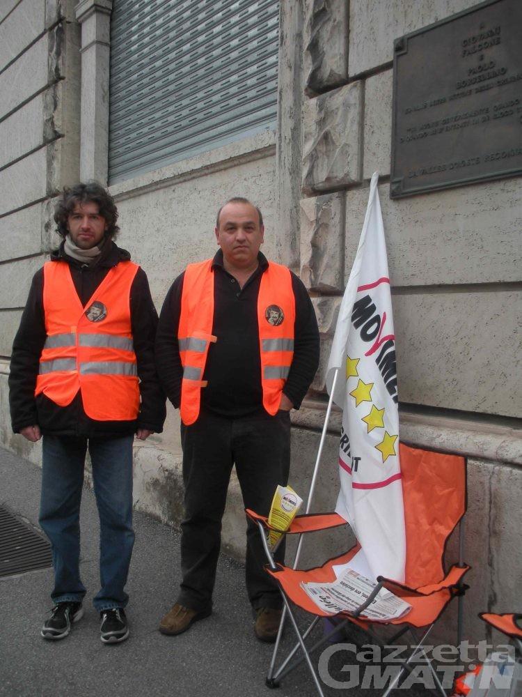 Movimento 5 Stelle, allestito presidio davanti al tribunale