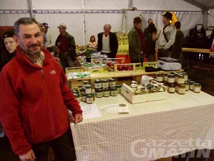 Torgnon, i prodotti d'autunno hanno portato in paese espositori e visitatori