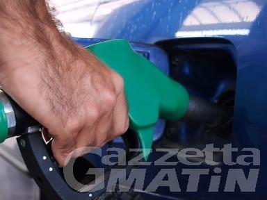 Prezzi: ancora impennata per benzina e gasolio da riscaldamento