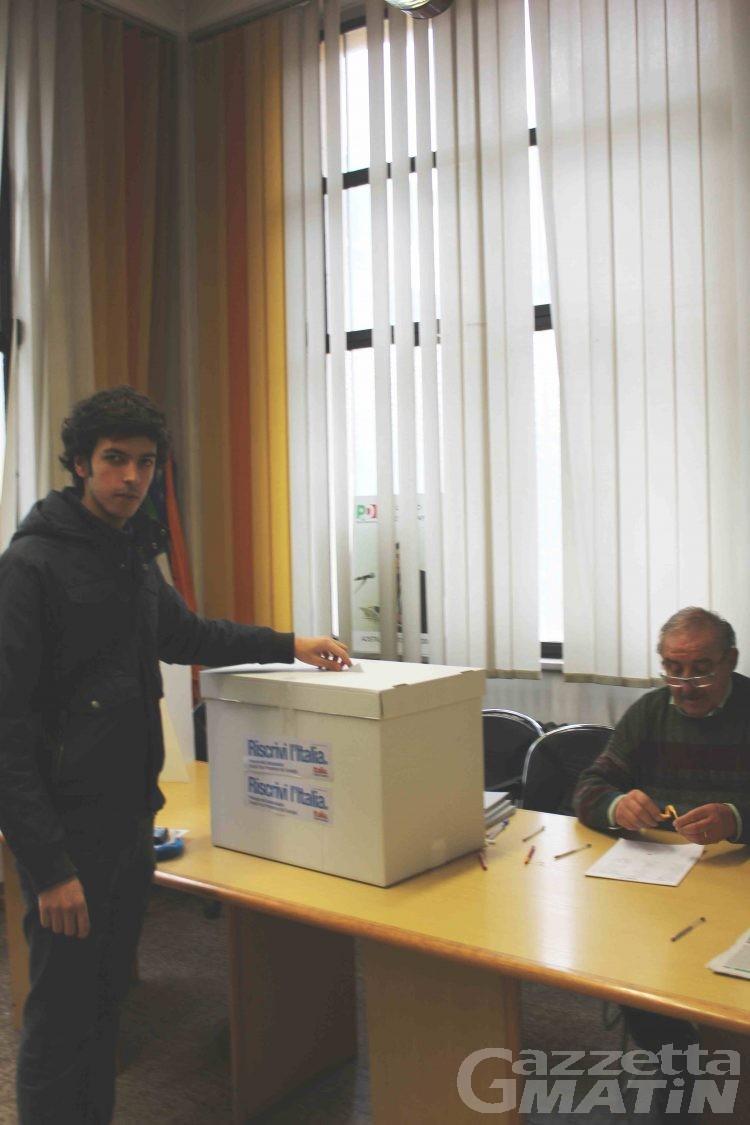 Pd, domani alle urne per il ballottaggio