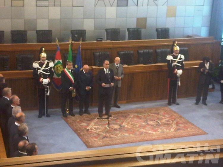 Napolitano: «Scusate il ritardo»