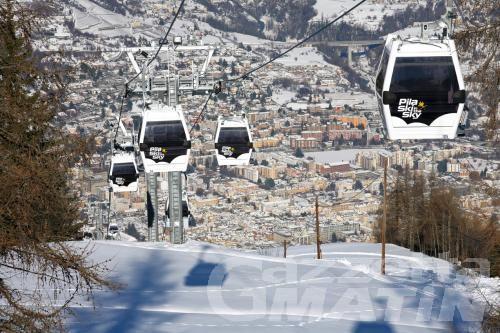Troppa neve; slitta l'apertura di Pila
