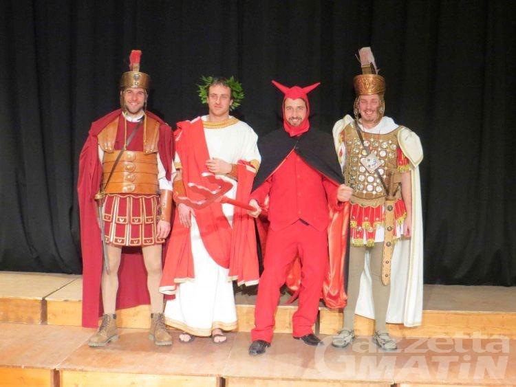 Pont-St-Martin: alzato il sipario sui personaggi maschili del 103° Carnevale