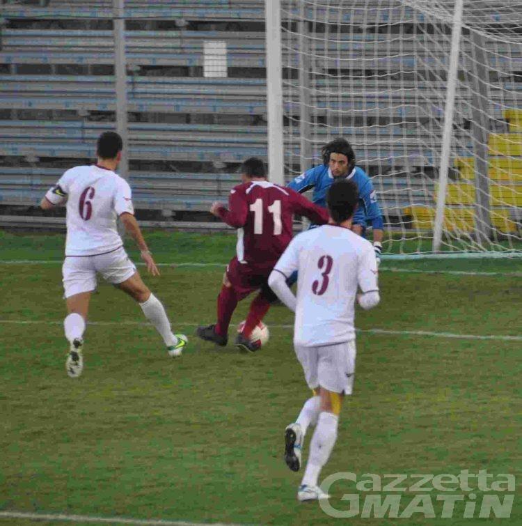 Calcio: due rigori fanno sorridere il VdA