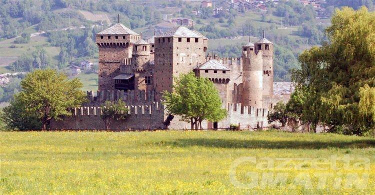 Fénis, 196 mila euro per migliorare le aree esterne del castello