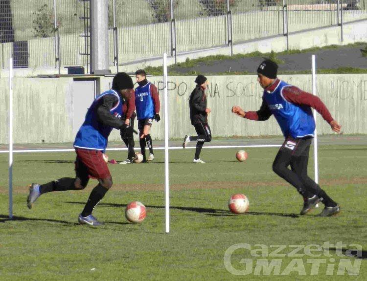 Calcio: il VdA a Venezia con i dubbi Amato e Temelin