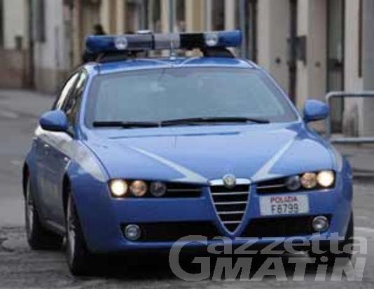 Aggredisce un poliziotto: arrestato tunisino