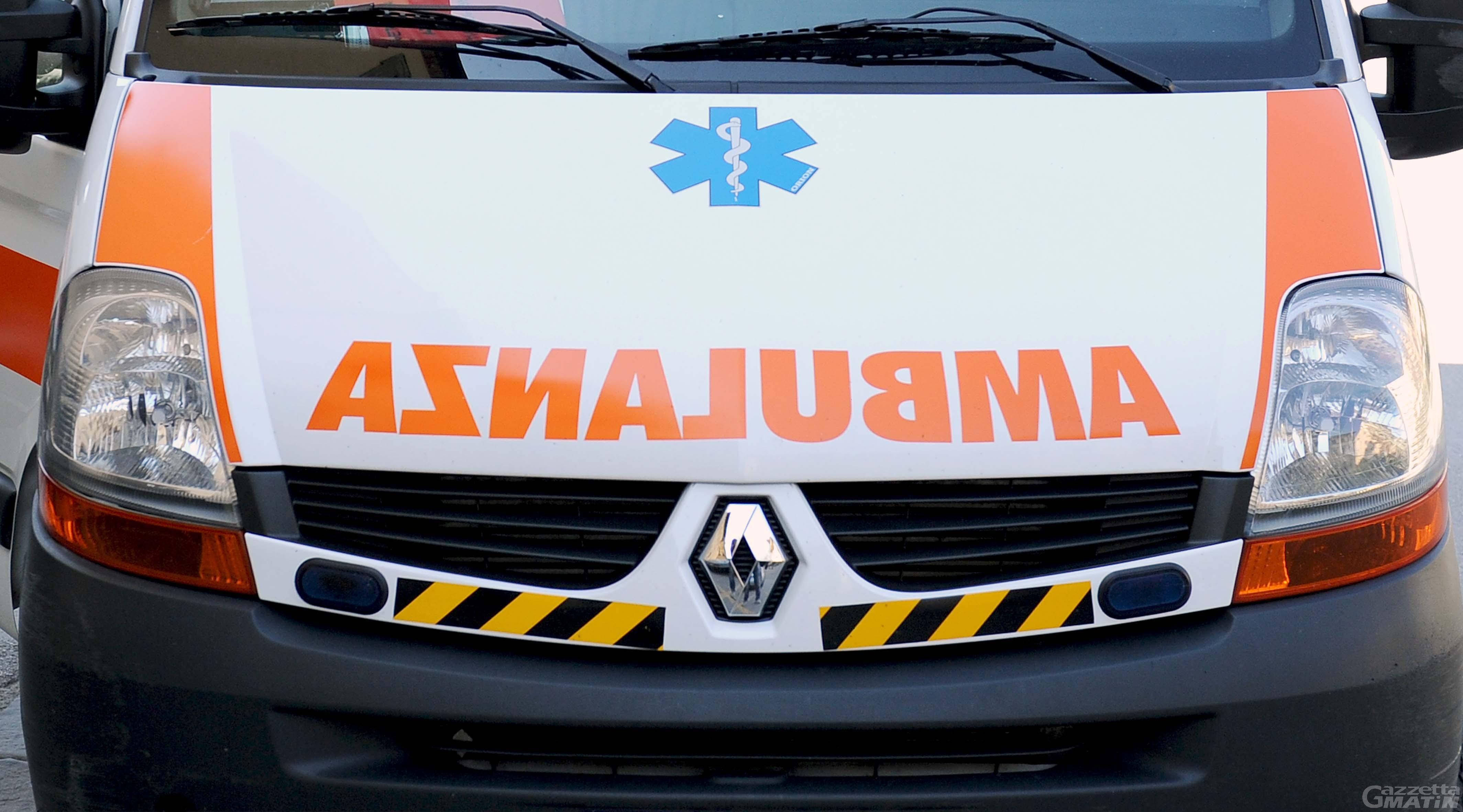 Incidente: grave bambino di dieci anni caduto in minimoto