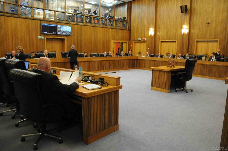 Consiglio Valle: si discute mozione sfiducia all'assessore Rini