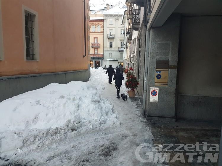 Emergenza neve: rimozione non prevista, ma l'appalto non cambia