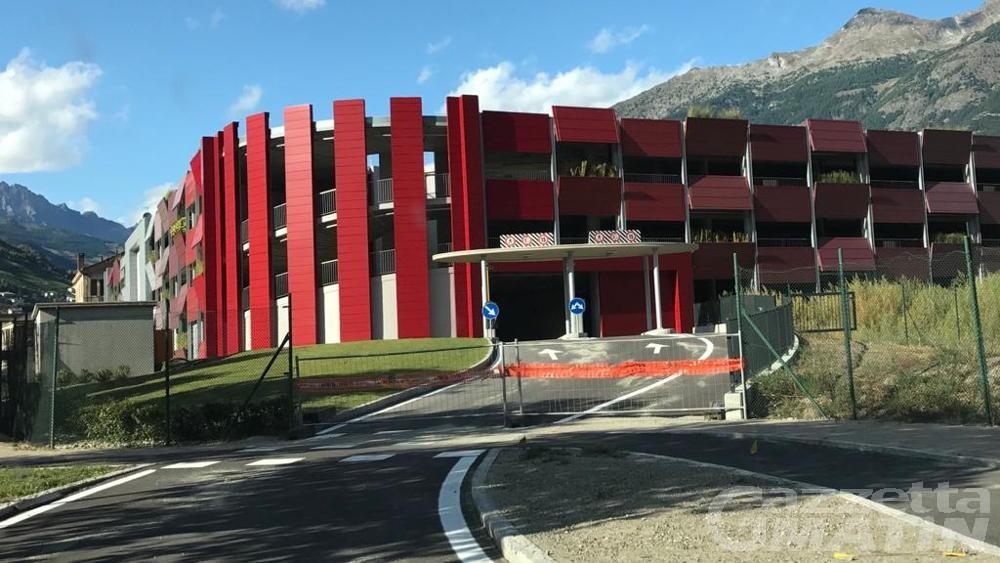 Neve ad Aosta: aprire parcheggio pluripiano via Primo Maggio