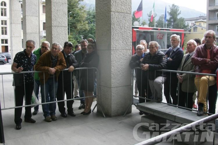 Elezioni, i commenti dei cittadini: «Aspettiamo gli accordi»