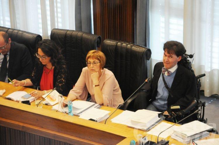 Consiglio Valle: stipendi troppo alti,  Impegno Civico propone il taglio