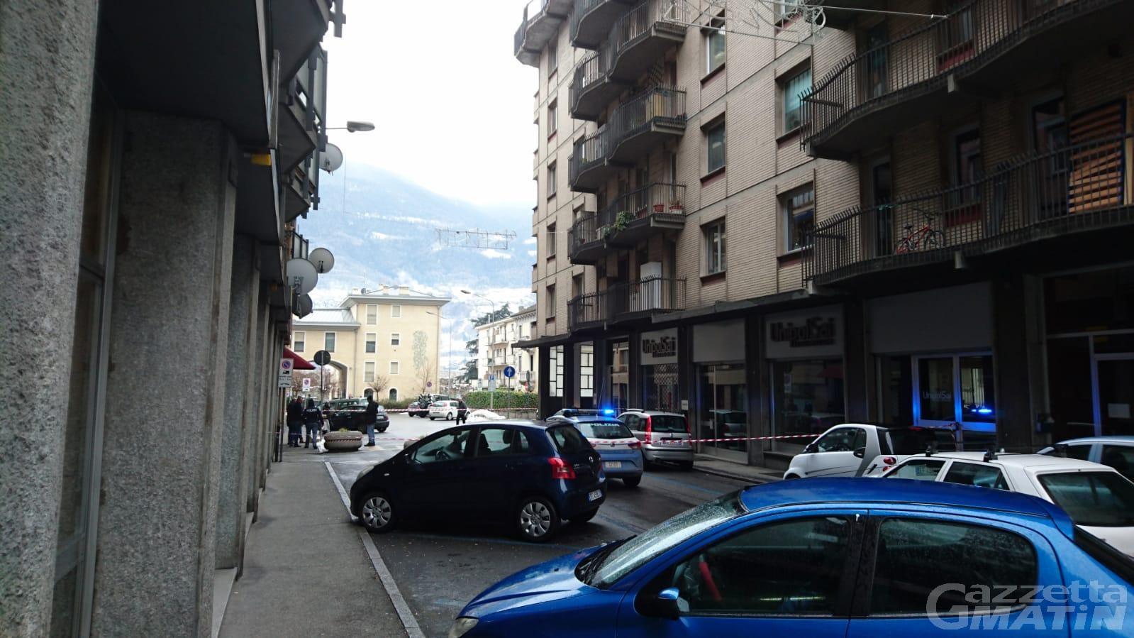 Pacchi sospetti vicino alla sede di Alpe, falso allarme