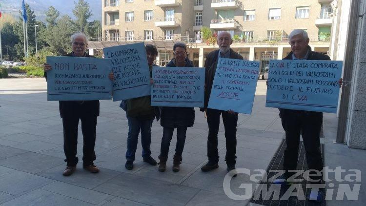 Cva: contro la quotazione in borsa, protesta davanti alla Regione