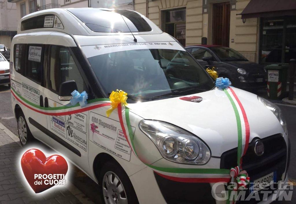 Progetti del Cuore dona furgoncino per trasporto bisognosi a Unité Mont Emilius