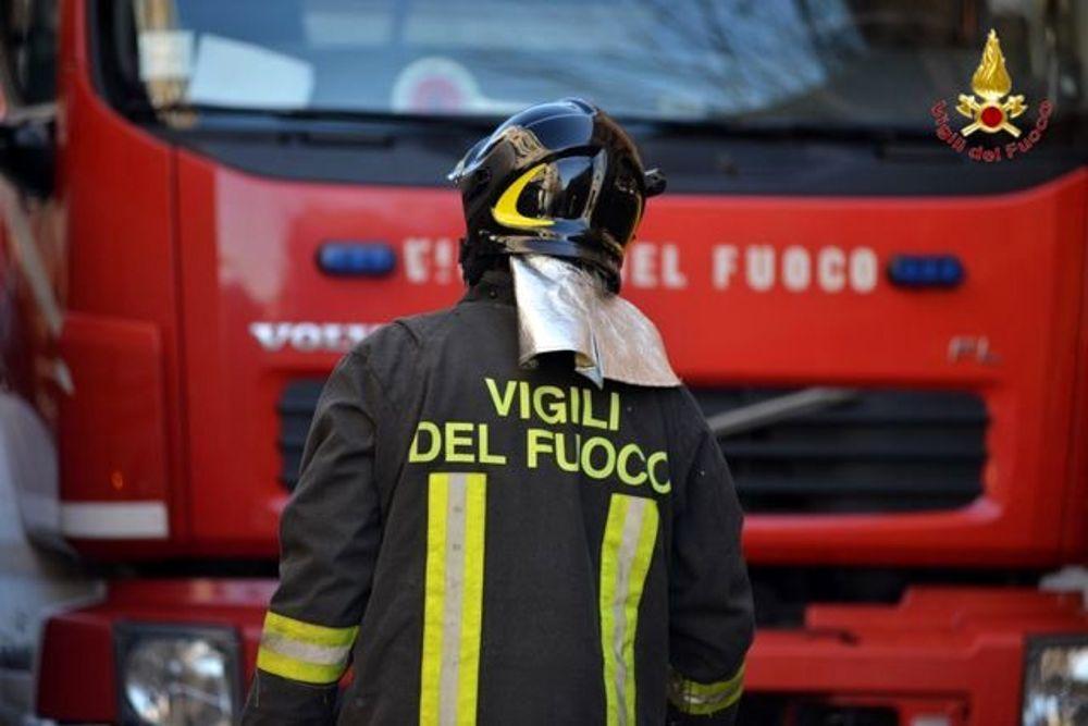 NICHELINO – Cassonetti in fiamme in via Moncenisio