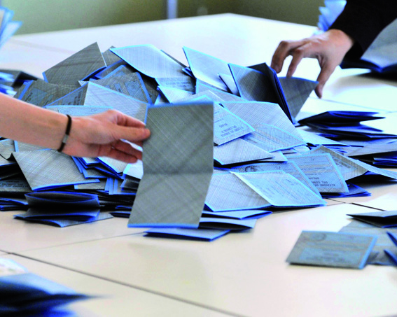 ELEZIONI – Seggio elettorale per cittadini romeni che abitano nella zona del chierese