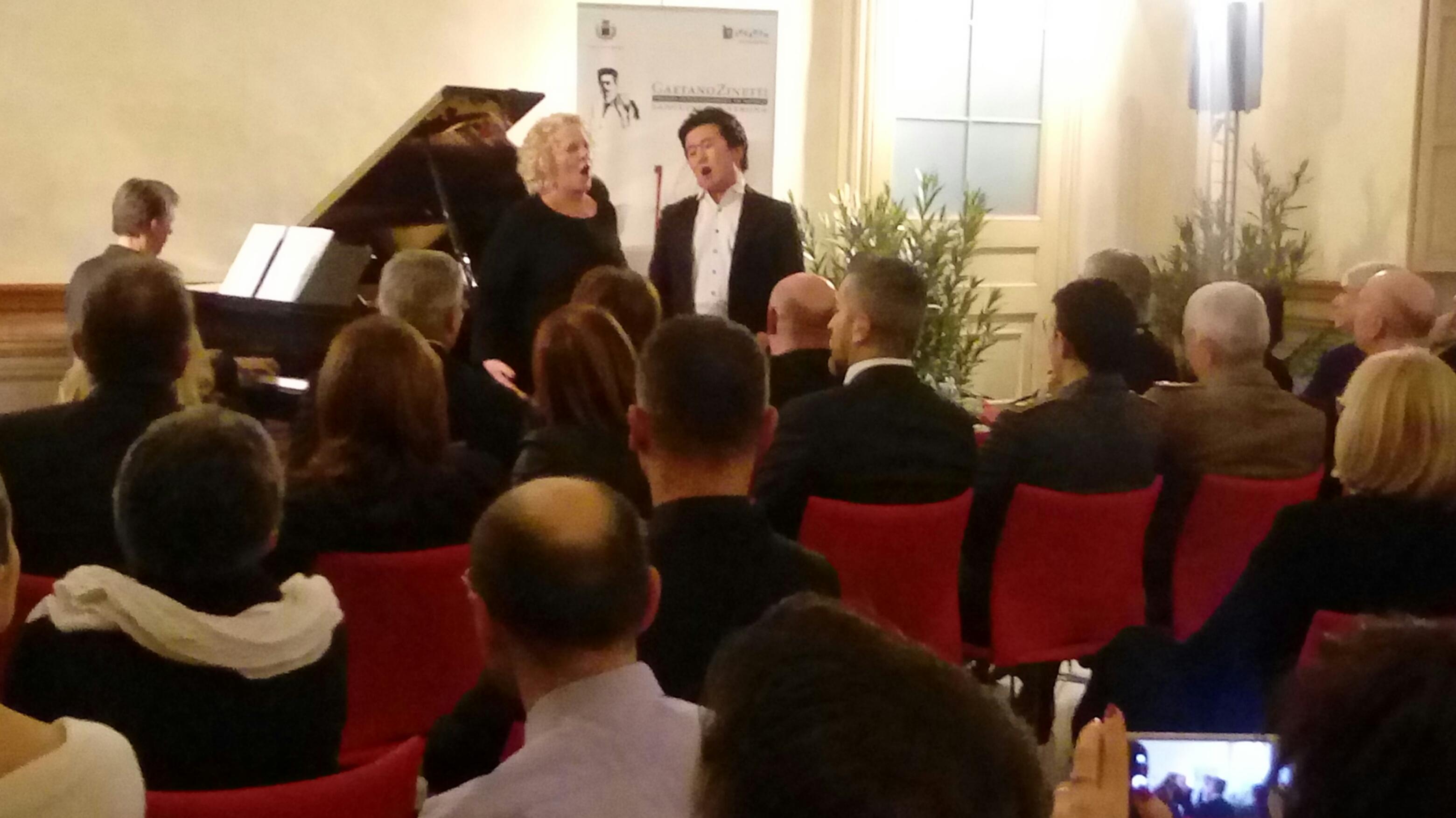 Moncalieri, Ricciarelli affascina gli ospiti del concerto al castello