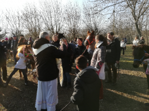 Tanti animali domenica hanno ricevuto la benedizione per sant'Antonio al santuario di Madonna di Celle, a Trofarello