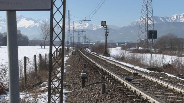 Troppi passaggi a livello sulla linea Torino-Pinerolo. Le ferrovie vogliono eliminarli, Coldiretti chiede di concertare un piano per non danneggiare gli agricoltori