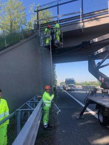 Partiti a Settimo Torinese i lavori sul cavalcavia sopra l'autostrada Torino - Ivrea