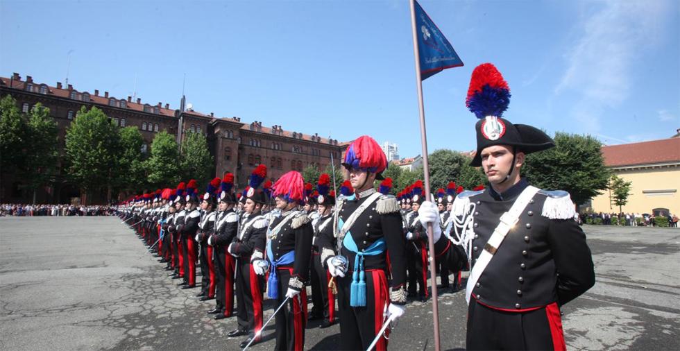 Alla caserma Cernaia 397 allievi carabinieri hanno giurato fedeltà alla Repubblica