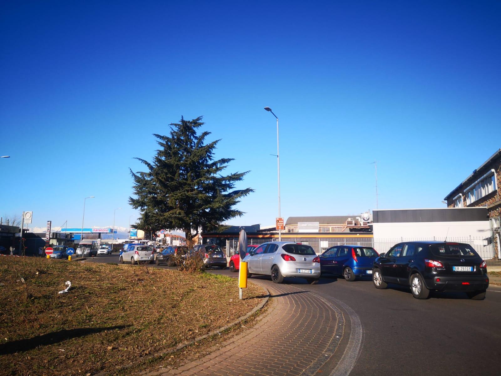 """MONCALIERI – Traffico in tilt per i cantieri dei due ponti, il sindaco: """"Qualche giorno di pazienza"""""""