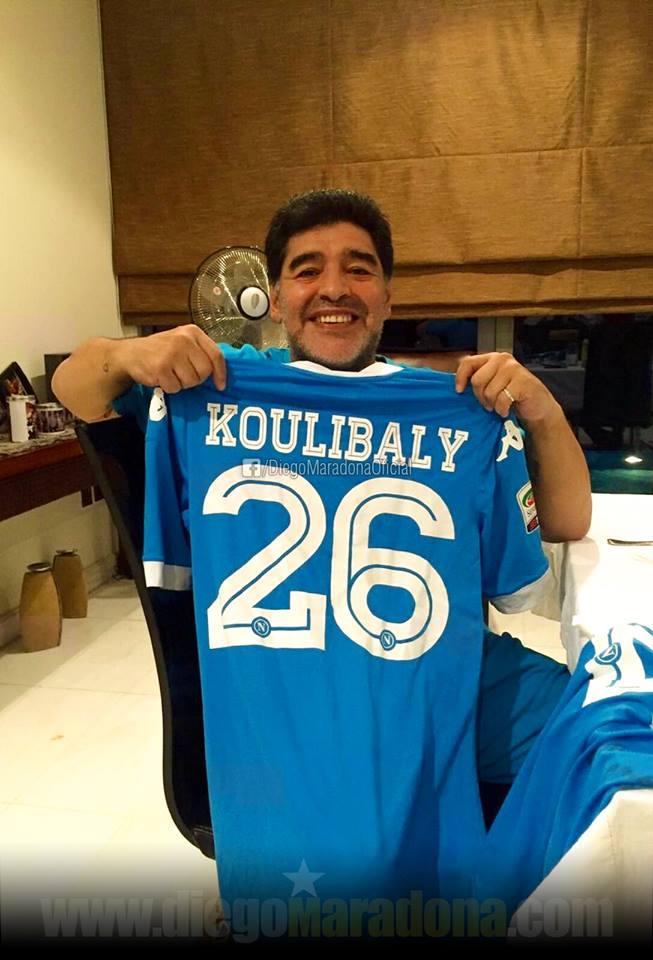 """Juve-Napoli 0-1, l'esultanza di Maradona con la maglia di Koulibaly: """"Abbiamo un sogno nel cuore"""""""