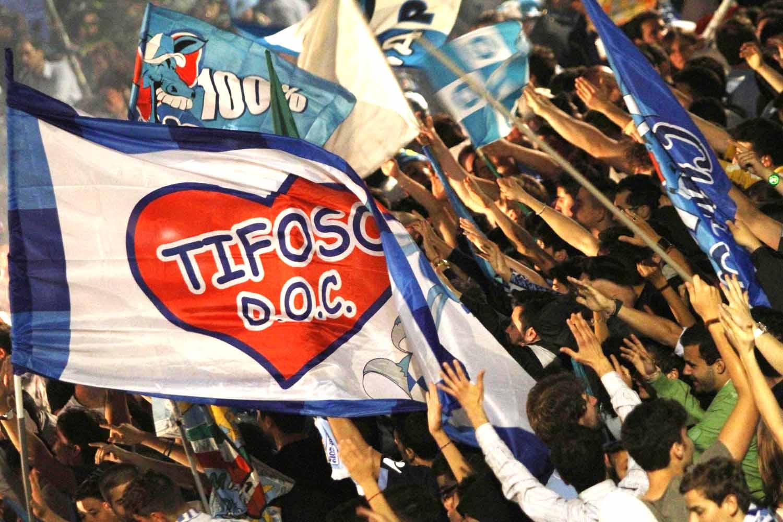 Calcio: tifosi del Napoli preparano l'invasione, 10mila a Firenzeper sostenere gli azzurri