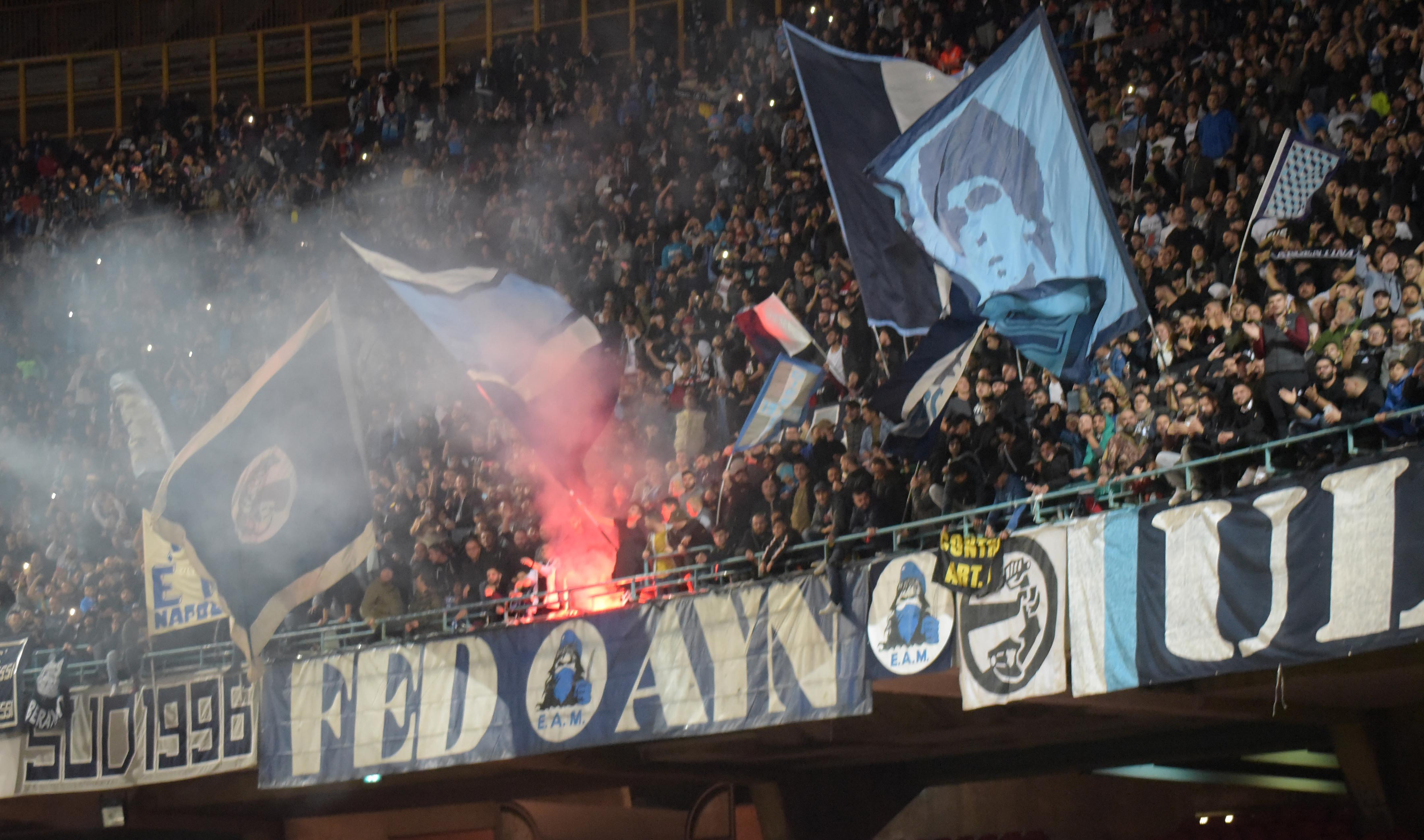 Calcio: il Napoli lancia mini abbonamenti per le prossime 9 gare